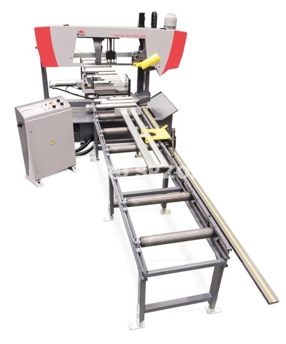 machine_with_conveyor